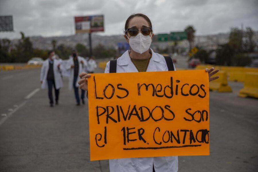 Personal médico del sector privado se ampara para recibir vacuna contra Covid-19