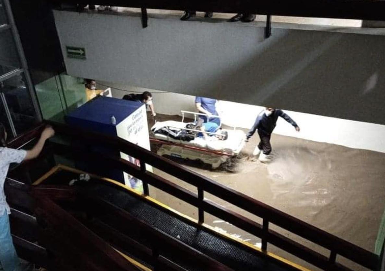 La inundación del Hospital Dr. Salvador González Herrejón